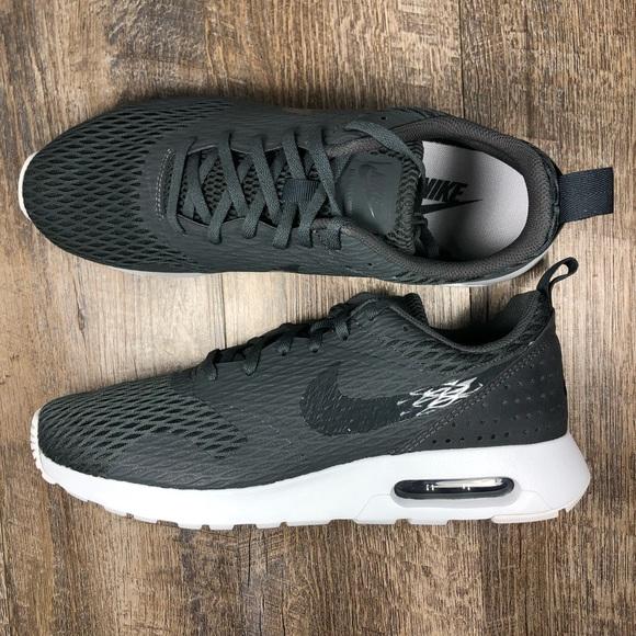 the best attitude 84610 9e75a Nike Air Max Tavas SE mens shoes size 11.5